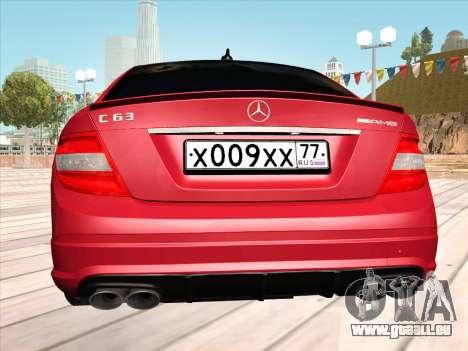 Mercedes-Benz C63 AMG HQLM pour GTA San Andreas vue de droite