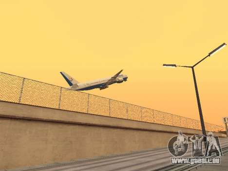 Boeing 777-2Q8ER Orenair Airlines pour GTA San Andreas vue de droite