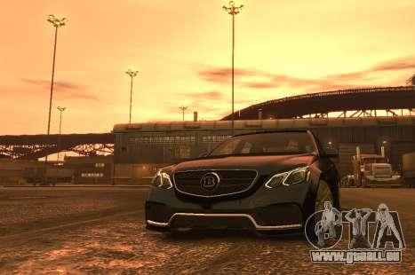Mercedes-Benz E63 BRABUS 850 pour GTA 4 est un côté