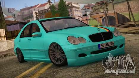 Mercedes-Benz C320 AMG pour GTA San Andreas