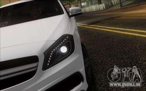 Mercedes-Benz A45 AMG pour GTA San Andreas vue de dessous