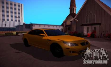 BMW M5 Gold pour GTA San Andreas vue arrière