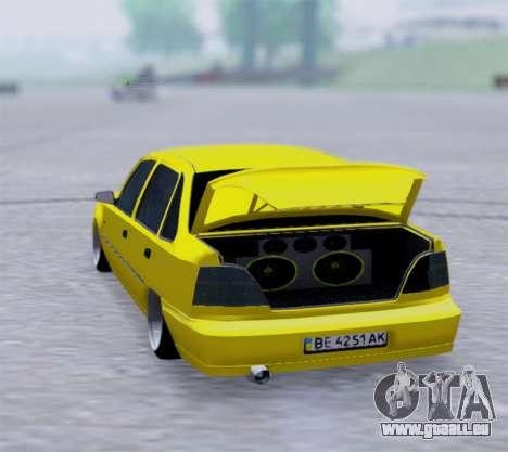 Daewoo Nexia 2006 pour GTA San Andreas sur la vue arrière gauche