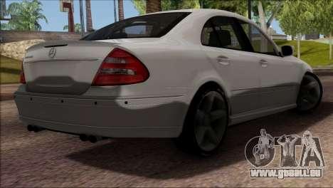 Mercedes-Benz E55 W211 AMG pour GTA San Andreas vue intérieure