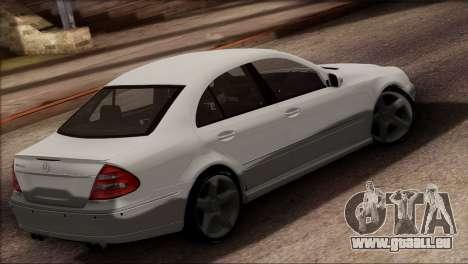 Mercedes-Benz E55 W211 AMG für GTA San Andreas linke Ansicht