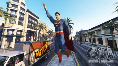 GTA 5 Superman-Statue