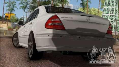 Mercedes-Benz E55 W211 AMG pour GTA San Andreas vue de droite