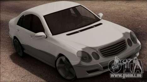 Mercedes-Benz E55 W211 AMG pour GTA San Andreas sur la vue arrière gauche