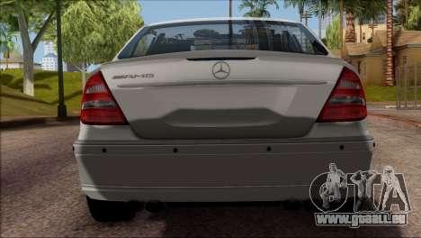 Mercedes-Benz E55 W211 AMG pour GTA San Andreas vue arrière