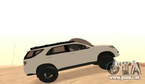 Toyota Fortuner 4WD 2015 Rustica für GTA San Andreas linke Ansicht