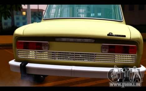 Skoda 100 pour GTA San Andreas vue arrière