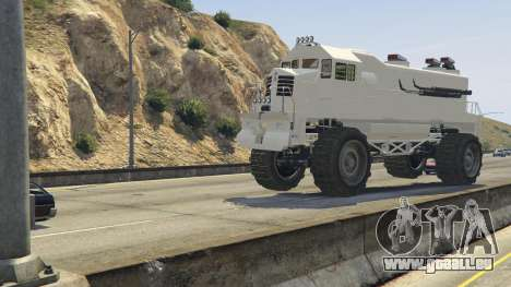 GTA 5 Monster Train avant droite vue de côté