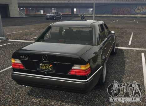 Mercedes-Benz E500 pour GTA 5