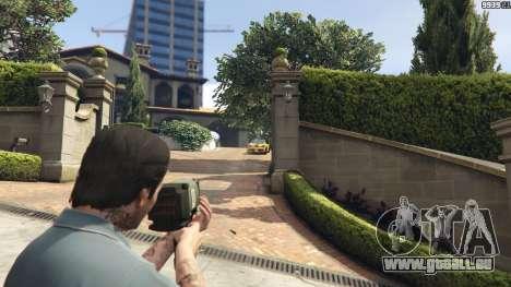 GTA 5 Weapon Variety 0.9 troisième capture d'écran