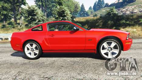 GTA 5 Ford Mustang GT 2005 linke Seitenansicht