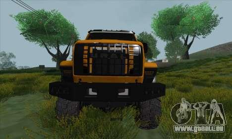 Oural De Carburant Du Camion À Côté pour GTA San Andreas vue intérieure